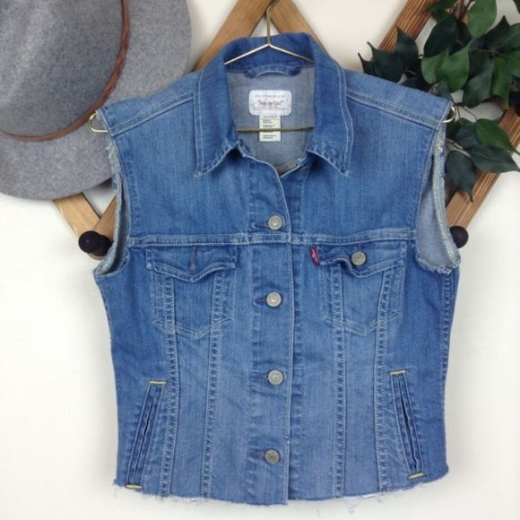 71ae72ea050df Levis jackets coats levis cut off frayed cropped denim jean jpeg 580x580 Cut  off denim vest